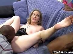 blacks on blondes - Vicky Vixen